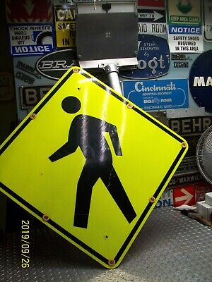 Tapco 2180-00214 Solar Led Flashing Pedestrian Crossing Sign