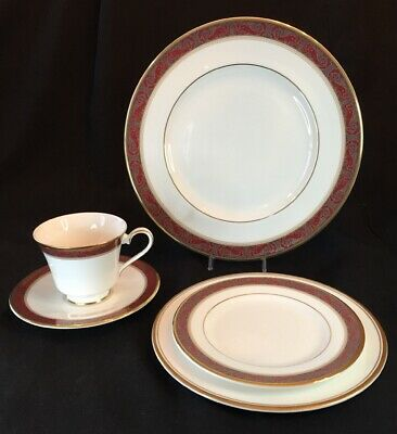 5 Piece Place Setting - Royal Doulton Martinique (more available)