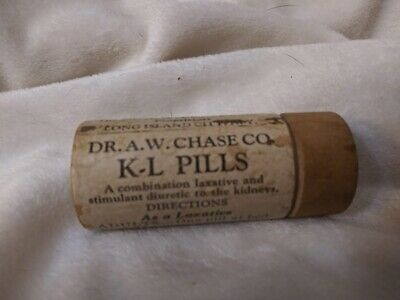 Dr. A.W Chase Laxative and Kidney pills Wooden pill box antique
