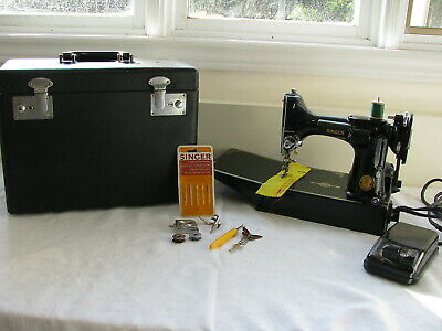 Singer 221-K featherweight sewing machine + case & key ++  a 1952 working