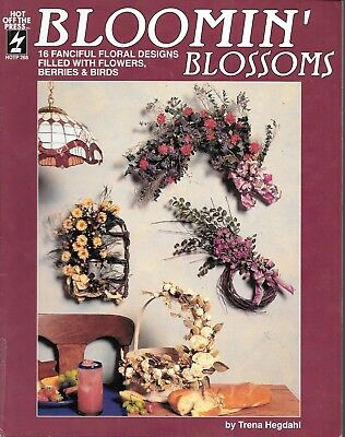 Bloomin blossoms 16 fanciful floral designs flower berries birds vintage craft
