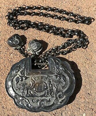 Antique Old Chinese Sterling Silver Repousse Lock Pendant Chain Necklace -81g