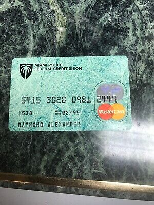 VINTAGE COLLECTIBLE MIAMI POLICE DEPT FEDERAL CREDIT UNION BANK CARD, 1995 (f)