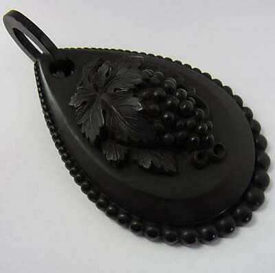 Large Antique Victorian Vulcanite Pendant In Very Good Condition