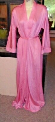 VTG 70s Vanity Fair Pink Long Nylon Robe Hollywood Style  Size Small  TALL GREAT