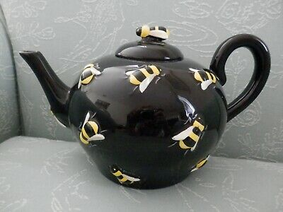 Department 56 Bumble Bee Buzz Black Teapot, Raised Bees & Bee Finial
