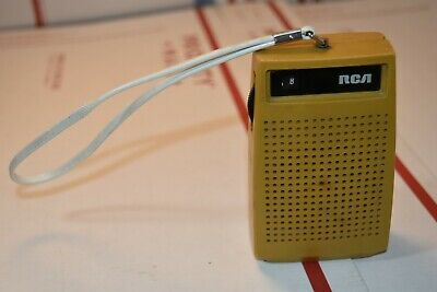 "Vintage RCA transistor POCKET RADIO 4""x3-1/2"" Model R2G 102N Sun Gold"