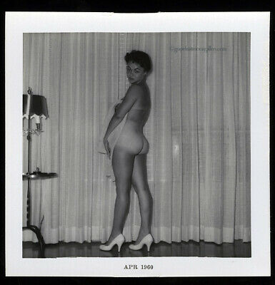 Bunny Yeager Estate Owned  Snapshot Pin-up Photo Pretty Black Model Velox Paper