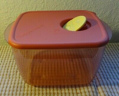 Tupperware Rock N Serve Container # 3384 Cranberry Red 6 1/4 Cup & MicroVent Lid