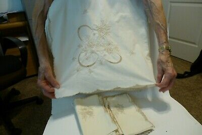 """Tablecloth and Napkins Set Floral Embroidered Ecru 68"""" X 104"""""""