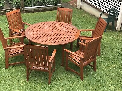 Outdoor Table 6 Chairs Solid Cedar Wood Round As New Weather Proof Patio Deck