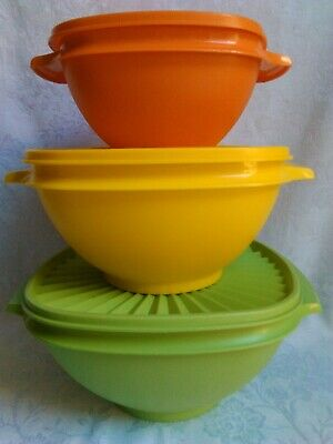 1970s 3x Vintage Tupperware Bowls with Press Seals Graduated Sizes - great cond.