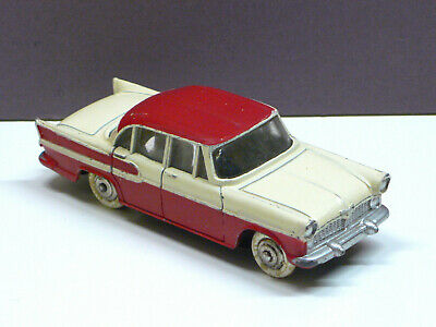 Dinky France No. 23K Simca Vedette Chambord - rot / creme