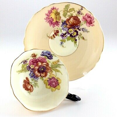 Double Warrant Paragon Black Accenting Chrysanthemum Teacup And Saucer L430