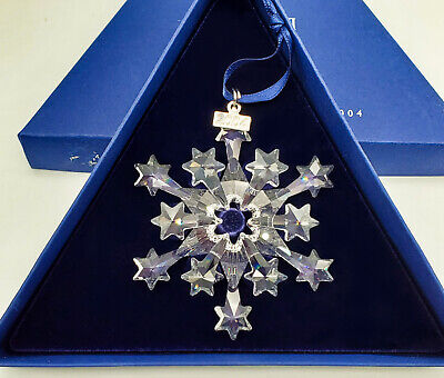 2004 SWAROVSKI CHRISTMAS ORNAMENT STAR SNOWFLAKE Retired Annual Editon Ornament