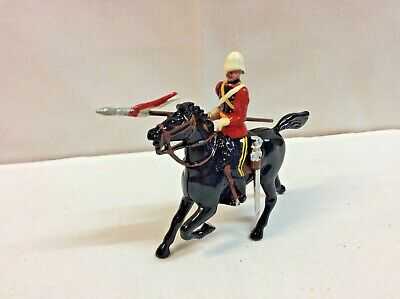 Britains Toy Soldiers 8819 The 16th Queen's Lancers