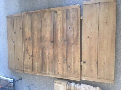 Antique Old Pine kitchen table, Seats 4 not extended, 8 when extended