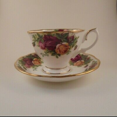 Royal Albert Old Country Roses Teacup & Saucer Bone China Red & Yellow Roses