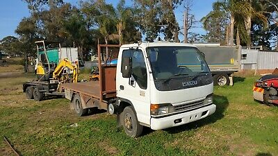 Isuzu 2005 NPR200 Table top truck. Car Licence tray top. LOW Kms!!
