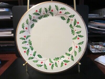 Lenox Holiday 10.5 inch Dinner Dishes