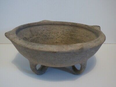 RARE HOLY LAND MIDDLE BRONZE AGE BOWL WITH 3 LOOPED FEET. c 2200-1750 BC.