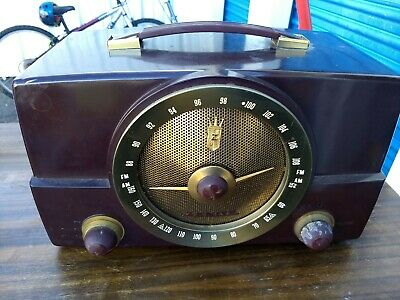 Vintage 1950's Zenith Tube Radio H725 Am Fm Bakelite Turns on