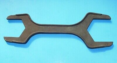 VINTAGE CAST IRON PLUMBER'S PLUMBING SPUD WRENCH - 11 3/4 inches