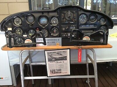 Piper Cherokee PA 28-180 C Instrument Panel