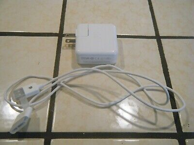 APPLE iPod Wall Charger w/ Cable USED Excellent Condition Classic Authentic
