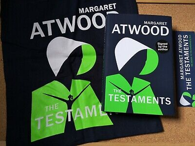 MARGARET ATWOOD - THE TESTAMENTS - SIGNED 1st HARDBACK Handmaids Tale TOTE BADGE