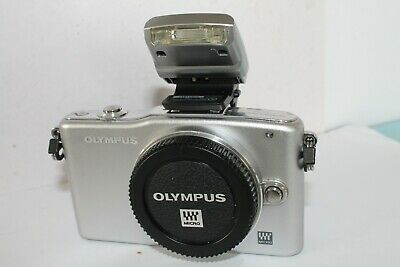 Olympus Pen Epm-1 Silver Body Only With Flash