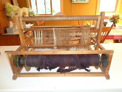 "Vintage table top loom  18"" work area"