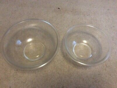 Set of 2 Vintage Pyrex Glass Mixing Bowls