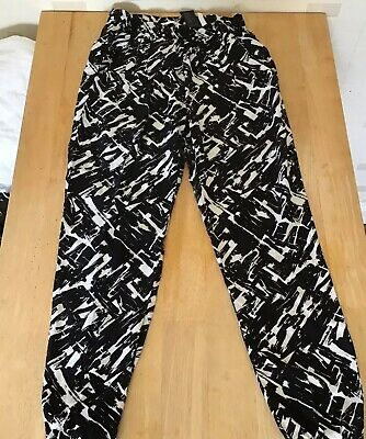 H&M Loose Black White Graphic Print Cuffed Ankle Pants 9 10
