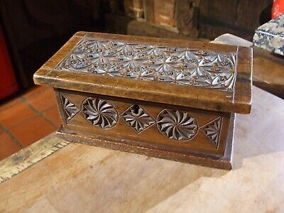 ANTIQUE  VICTORIAN SMALL CARVED OAK BOX  super quality work