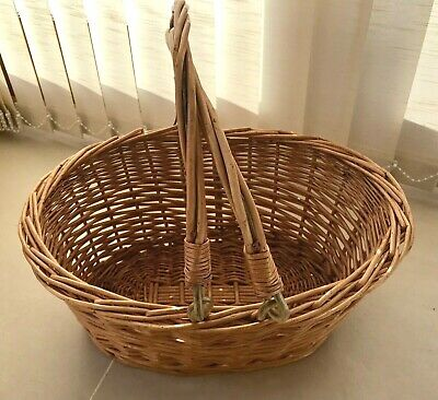 Lovely Vintage Shopping Picnic Basket Strong Wicker Reinforced Folding 2 Handle