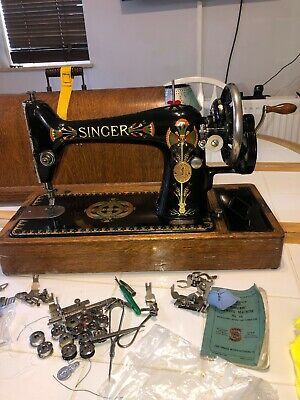 Singer  66K Antique 'Lotus Flower' Decal Hand Cranked Sewing Machine 66k - 1917