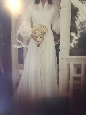 Vintage 70's Wedding Dress Gown White Formal Beautiful!