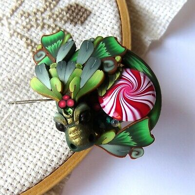 Holiday Dragon Magnetic Needle Minder by Claybykim