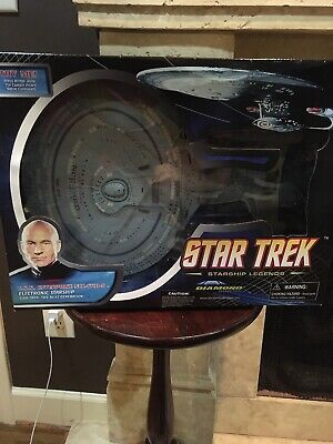 Diamond Select Star Trek Next Generation U.S.S. Enterprise NCC-1701-D
