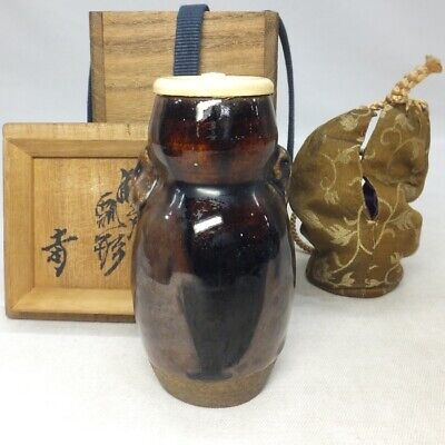 B900: High-class Japanese tea caddy of really old SETO pottery w/appraised box