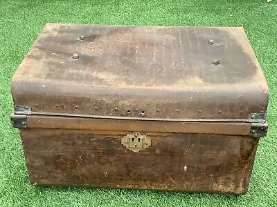 Antique Vintage Old Metal Railway Steamer Trunk Chest Coffee Table Storage Box