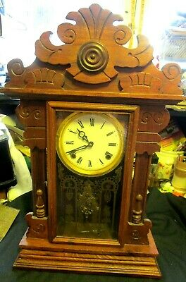 Very Nice Antique Wooden Mantle Or Shelf Clock, Runs Good & Keeps Good Time