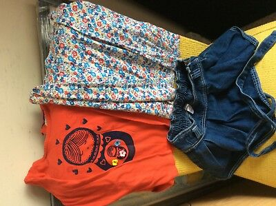 Girls bundle:2 long sleeve tops&denim skirt age 5y.o. M&S good used conditions