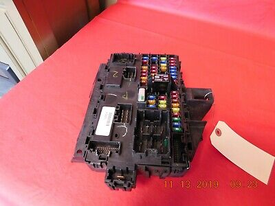 2013 Ford F150 5.0 4X4 A/T Cabin Fuse Junction Relay Box Oem