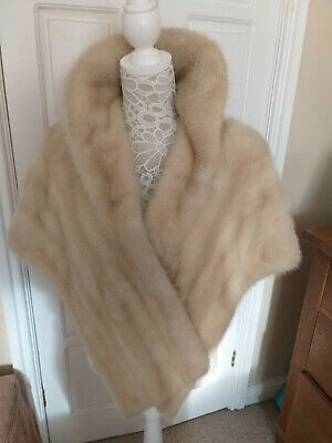 Beautiful Vintage Blonde  Mink  Stole With Collar And Side Pockets