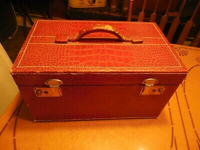 Vtg Red Travel/Train  Cosmetic Case With Mirror & Glass Jars