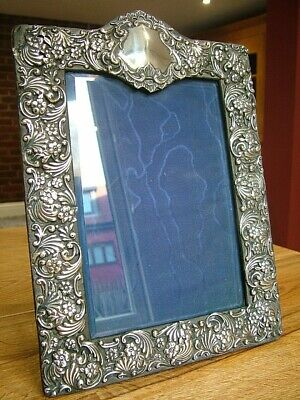 "ANTIQUE VICTORIAN 8"" x 6"" ENGLISH HM1898 SOLID SILVER PHOTO PICTURE FRAME (611)"