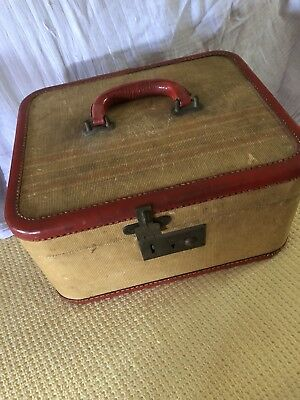 Vintage Beauty Case with key