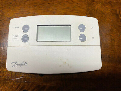 Danfoss TP7000M 5+2 Day Programmable Room Thermostat White 087N7410